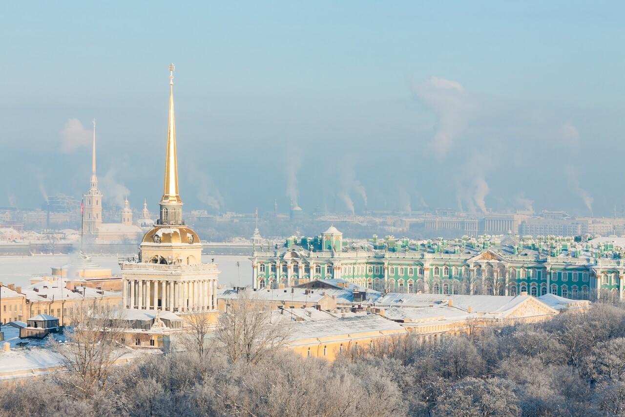 Chem-zanyatsya-v-Sankt-Peterburge-zimoy